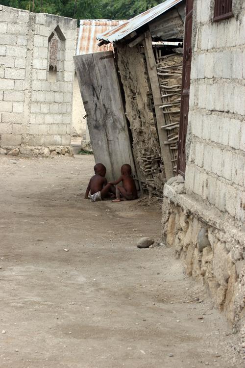 Despinos-babies-dirt